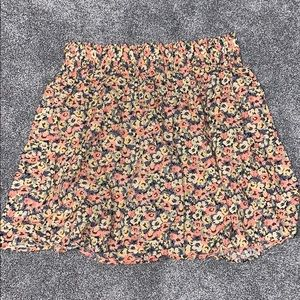 🦋H&M Floral Knee Length Skirt🌺